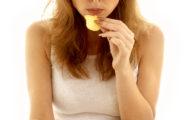 Šok: viete koľko oleja je vo vrecku chipsov?